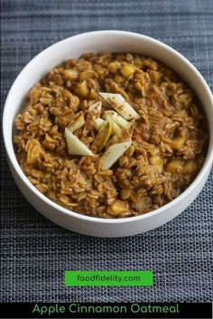 It's creamy, fragrant, and flavorful featuring old-fashioned oats cooked on the stovetop in an almond-milk and apple juice-based broth. #oatmealrecipes #oatmeal #cinnamonappleoatmeal #breakfast #applecinnamon Best Breakfast Recipes, Brunch Recipes, Dinner Recipes, Breakfast Time, Breakfast Ideas, Apple Cinnamon Oatmeal, Cinnamon Apples, Easy Cooking, Cooking Recipes
