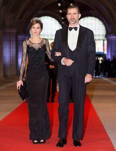 Pin for Later: Die besten Gründe, sich in Spaniens neues Königspaar zu verlieben  Das königliche Paar kam zu einem Abendessen der niederländischen Königin Beatrix im April 2013.