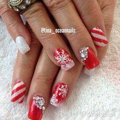 maybe toned down a little Valentine's Day Nail Designs, Holiday Nail Designs, Holiday Nail Art, Winter Nail Designs, Christmas Nail Art, Nails Now, Xmas Nails, New Years Eve Nails, Seasonal Nails