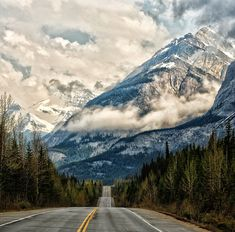 Road to Banff, Alberta, Canada - Photography by © Banff National Park, National Parks, Cross Canada Road Trip, Landscape Photography, Nature Photography, Amazing Photography, Places To Travel, Places To Visit, Rv Travel