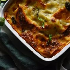 Cheeseburger Chowder, Lasagna, Food And Drink, Soup, Cooking Recipes, Ethnic Recipes, Chef Recipes, Soups, Lasagne