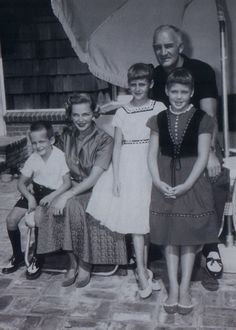Mark Harmon with mother Elyse Knox, sisters Kristen and Kelly and father Tom Harmon