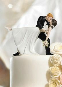 bellissimo cake topper per la torta nuziale degli sposi. Guarda altre immagini di torte nuziali: http://www.matrimonio.it/collezioni/torte_nuziali/5__cat