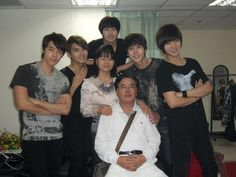Super Junior K.R.Y + D.S with Kyuhyun's parents
