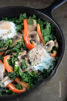 Egg Mushroom Kale Skillet [JULY RECIPE]