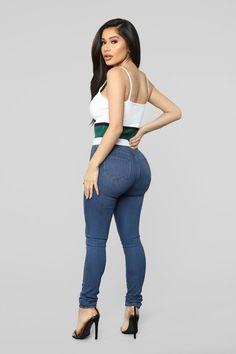 Escape With Me Sweater Green - Women Jeans - Ideas of Women Jeans - Escape With Me Sweater Green Sexy Jeans, Skinny Jeans, Women's Jeans, Belle Nana, Fashion Corner, Girls Jeans, Fashion Outfits, Womens Fashion, Plus Size Fashion
