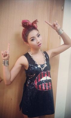 """MINZY:"""" I had a lot of fun :) thanks for all your support! 2ne1 Minzy, Kpop Girl Groups, Korean Girl Groups, Kpop Girls, Sandara Park, Kpop Girl Bands, Fandom, Fashion Show, Fashion Outfits"""