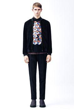 Christopher Kane Fall 2015 Menswear Fashion Show Mens Fashion Week, Fashion Show, Fashion Outfits, Fashion Design, Men's Fashion, London Fashion, Fashion Details, Trendy Outfits, Christopher Kane