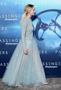 Jennifer Lawrence attends the 'Passengers' Paris Photocall on November 29, 2016 in Paris, France