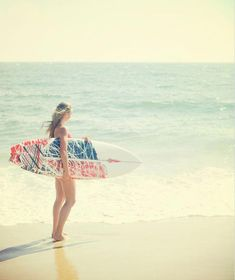 abbey with surfboard Surfs Up: 30 Incredible Surf Photographs Female Surfers, Surfing Photos, Summer Surf, Relax, Beach Color, Beach Portraits, Glamour, Surf Girls, Surfs Up