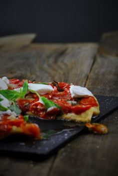 Tarte Tatin mit fehlendem Stück Vegetable Pizza, Vegetables, Food, Tarte Tatin, Fresh, Tomatoes, Bakken, Recipies, Hoods
