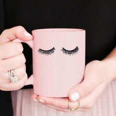 Add a little glam to your morning routine with our new Pink Eyelashes Mug! This piece is perfect to put your makeup brushes in! Treat your bestie to a fun & chic mug!