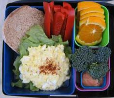 egg salad on whole grain English muffin, red bell pepper, orange slices, broccoli, thousand island dressing