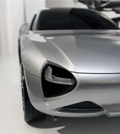Futuristic crossover styling meets space-age materials in Marianna Merenmies' 3-passenger concept, 'eXtremes.' It's is an exploration into the use of Aerogel, a material often