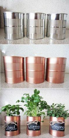 DIY ideas from empty cans: 30+ great ideas | My desired home Cheap Diy Home Decor, Diy Décoration, Easy Diy, Diy Crafts, Garden Inspiration, Home Furnishings, Empty, Garden Design, Garden Art