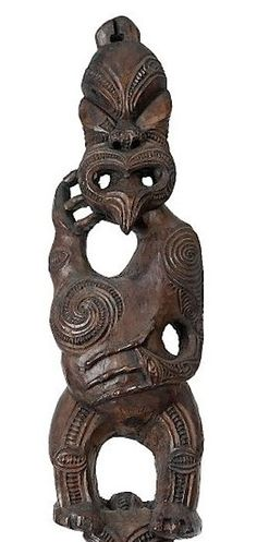 Visually stunning example of old maori art. Love how the shoulders are off set to give the body sinuous lines art zealand art zealand designs tattoo carving carving art art New Zealand Tattoo, New Zealand Art, Key Tattoos, Skull Tattoos, Foot Tattoos, Sleeve Tattoos, Flower Tattoo Foot, Flower Tattoos, Frank Morrison Art