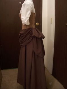 Twelfth Night steampunk. Simple steampunk costume. Mmm, this would be easy to make. Posh enough to be Lady Olivia