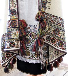 Halliste Parish, Estonia; National heritage - traditional embroidry and craft