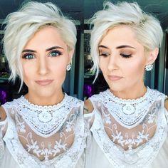 """Wit haar is een regel rechte """"STIJL HIT"""".. wacht niet langer en ga voor een korte coupe met spierwit haar! - Kapsels voor haar"""
