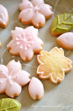 ♔ Sakura Cookies