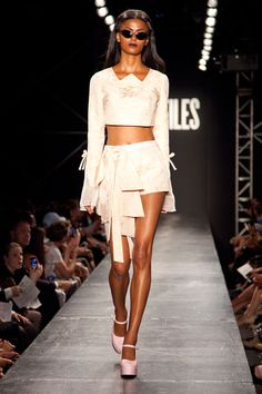 Design by VFiles, worn by Ammerman Schlosberg.  I like the way the bow on the skirt falls.