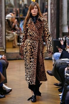 10 autumn/winter 2019 trends to start wearing now - Autumn winter fashion trends for 2018 – Top style trends for autumn and winter 2018 - Winter 2018 Fashion, Fashion Week, Autumn Winter Fashion, Fashion Outfits, Fashion Tips, Fall Winter, Grunge Outfits, Fashion Styles, Fashion Boots