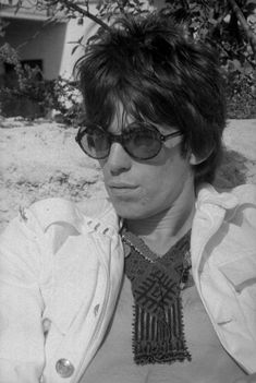 Keith Richards rocking those sunglasses