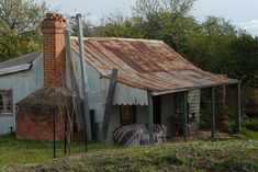 Image result for australian outback shacks Australian Sheds, Australian Farm, Australian Homes, Old Country Houses, Old Farm Houses, Abandoned Farm Houses, Australian Photography, Fishing Shack, Land Of Oz