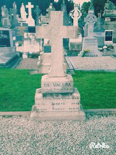 The final resting place of Eamon De Valera a Glasnevin Cemetery 🇮🇪 Cemetery, Our Love, Four Square, Statue Of Liberty, Language, Travel, Corning Glass, Statue Of Liberty Facts, Viajes
