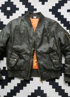 Kup mój przedmiot na #vintedpl http://www.vinted.pl/damska-odziez/kurtki/14371495-new-look-bomberka-khaki-bomber-jacket-ml