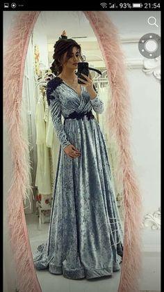 Prom Dresses With Sleeves, Blue Wedding Dresses, Unique Dresses, Lovely Dresses, Hijab Fashion, Fashion Dresses, Kaftan Designs, Oriental Dress, Moroccan Dress