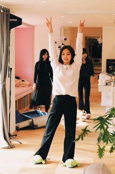 i miss blackpink house! Blackpink Jennie, Blackpink Fashion, Korean Fashion, Forever Young, American Apparel, J Pop, Blackpink Photos, Blackpink Jisoo, Kpop Outfits