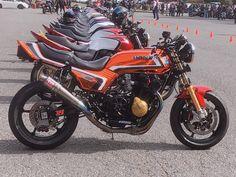 Honda Cb750, Hornet, Cafe Racers, Sport Bikes, Custom Bikes, Cool Bikes, Cars And Motorcycles, Racing, Japan