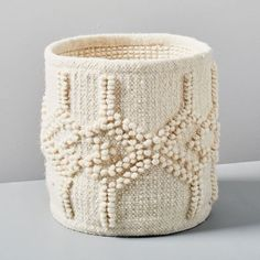 The IKEA Kallax collection Storage furniture is a vital element of any home. They offer obtain and allow you to hold track. Trendy and delightfully easy the ledge Kallax from Ikea , for example. Blanket Basket, Knit Basket, Blanket Ladder, West Elm, Ikea Kallax Hack, Crochet Patterns For Beginners, Custom Rugs, Craft Stick Crafts, Hanging Baskets