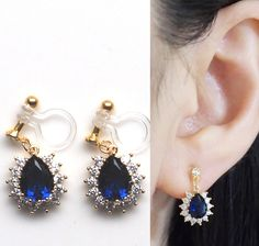 💎Sparkle filled dangle navy blue cubic zirconia crystal drop invisible clip on earrings. They will look gorgeous with your any elegant outfit. 💕This look like pierced earrings but this is COMFORTABLE CLIP ON EARRINGS!! イヤリング, ノンホールピアス, 樹脂イヤリング, MiyabiGrace, ピアス