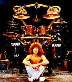 Drummerworld Page for Tommy Aldridge Drum Cage, How To Play Drums, Heavy Metal Music, Idol, Rock Groups, Ozzy Osbourne, Drum Kits, Rock Legends, Black Sabbath