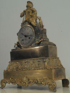ancienne pendule bronze DORE AU MERCURE mouvement de paris a fil intitulée: promenade en foret avec son chien