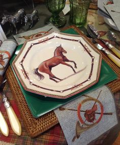 Horse Country Chic: Chantilly Equestrian Plates>>> That looks amazing! Equestrian Decor, Equestrian Style, Equestrian Fashion, Western Decor, Beautiful Table Settings, Country Chic, Tablescapes, Dinnerware, Westerns