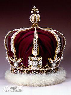 Mikimoto Pearl Crown