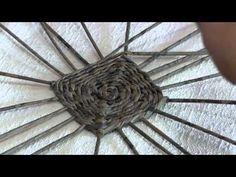 Плетёное квадратное дно из газетных трубочек. Часть 4.2. - YouTube