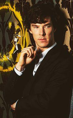 Benedict Cumberbatch - Sherlock (one of the worlds biggest babes)