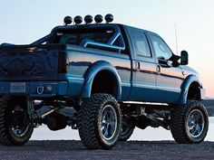 Sweet Blue Ford 4 x 4