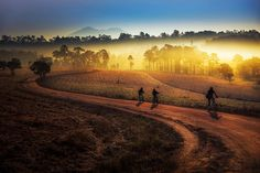 CHIANG MAI'S COUNTRYSIDE. Not every traveler wants to be with the crowd. Each person has their own idea of how to explore unfamiliar territory, and as much as possible want to complete their adventure in the most comfortable and pleasurable experience.