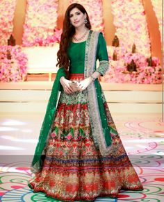 Sophisticated Mehndi Dresses Designs For Pakistani Brides 2017 is all about inspiration and modern fashion. We revel the most favorite function of ladies before wedding day. It is called Rasm e Hin… Bridal Mehndi Dresses, Pakistani Wedding Outfits, Pakistani Wedding Dresses, Bridal Lehenga, Pakistani Lehenga, Shadi Dresses, Indian Dresses, Max Dresses, Indian Suits