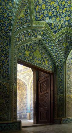 Lotfollah Mosque, Ishafan, Iran