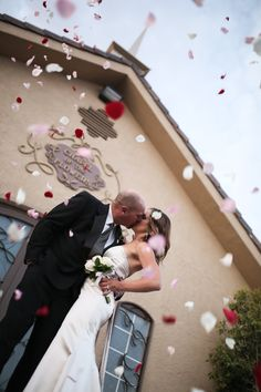 Wedding Photo Ideas | Flower Shower in front of Modern Chapel in Las Vegas.