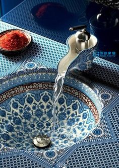 Another view of this gorgeous sink.