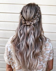 """Jody Callan Hair on Instagram: """"Boho Bridesmaid 🤍 This lived in waves hairstyle with a braided detail looked incredible on my beautiful barefoot bridesmaid at my…"""" Barefoot, Braids, Dreadlocks, Waves, Hairstyle, The Incredibles, Bridesmaid, Long Hair Styles, Photo And Video"""