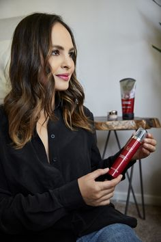 Taking the #Olay28Day challenge to achieve healthy, radiant and younger looking skin! For the next 28 days, I'll only be using @Olay's Micro Sculpting Cream and the Olay Eyes Ultimate Eye Cream twice daily. I will update you guys in a couple of weeks and at the end of my challenge to let you know how it worked for me. I encourage you all to take the challenge with me! Find out more about my personal skincare by going here: http://spr.ly/336465Advisor #ad #olay