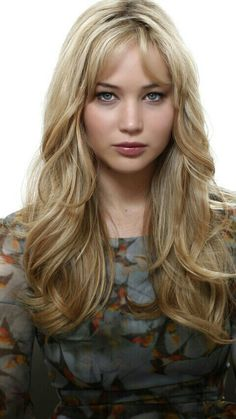 J is for Jennifer Lawrence Beautiful Celebrities, Beautiful Actresses, Beautiful Women, Best Actress Oscar, Jennifer Lawrence Pics, Katniss Everdeen, Hollywood, Long Hair Styles, American